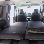 ステップワゴンの車中泊を快適にする マットとまくら